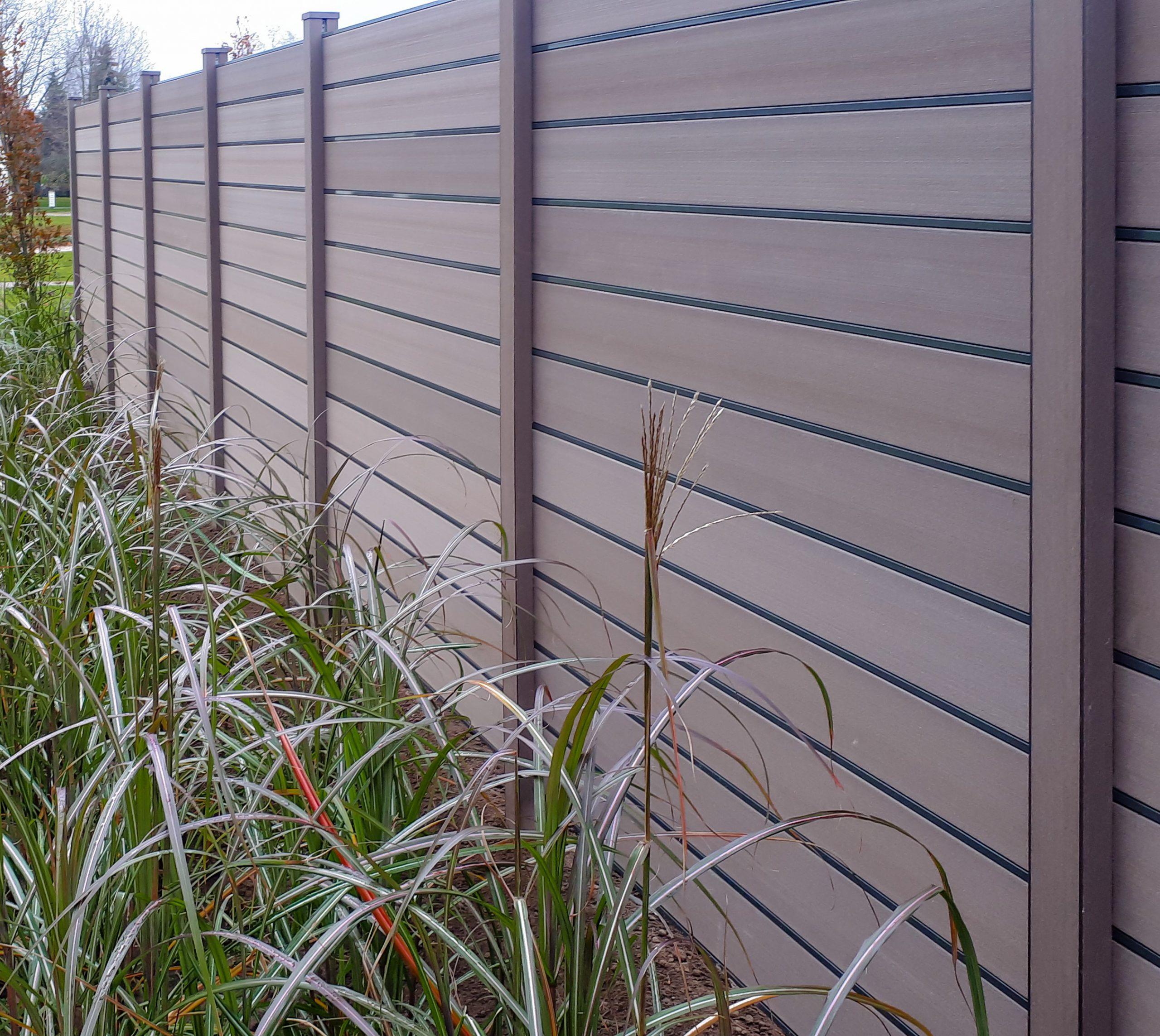 Širvintų miestas pasipuošė InoWood bio kompozito tvora